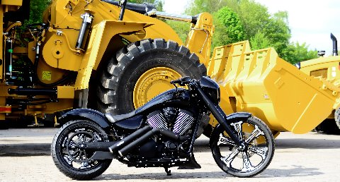 umgebautes Motorrad Scholly´s limited Edition No. 3 Victory Hot-Rod Vegas
